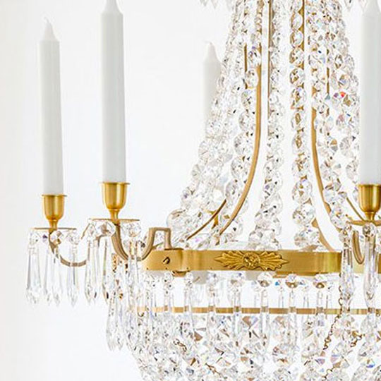 Sätt upp ljuskronor i taket med Lampgallerian.se